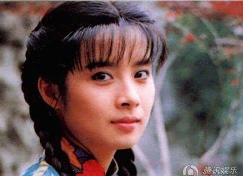 《青青河边草》是很经典的琼瑶剧,也出了岳翎这个经典的美女.图片