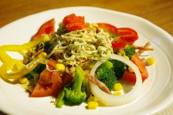 素菜沙拉:西式简单但健康的饮食也逐渐被现代人所推崇.图片